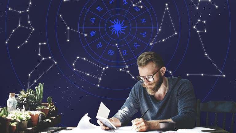 Grundwissen Astrologie    Foto: (c) Rawpixel - stock.adobe.com
