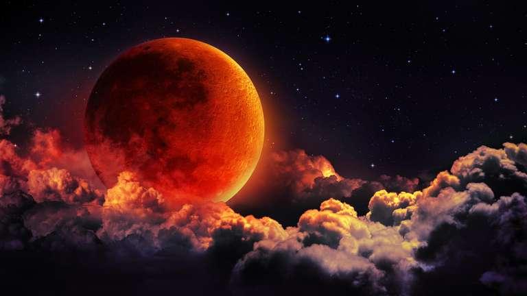 Bei der Mondfinsternis schiebt sich die Erde zwischen ihren Trabanten und die Sonne. | Foto: © Romolo Tavani - stock.adobe.com
