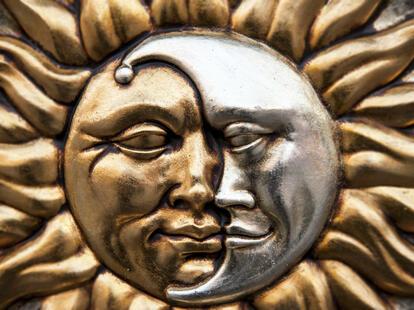 5. Wenn die Sonne im Sternzeichen Widder steht, dann ist der Vollmond immer in der Waage.| Foto: (c) Cla78 - stock.adobe.com