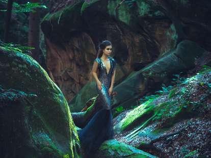 Göttin Gaia - bewacht durch eine Phyton | Foto: © iStockphoto.com/Kharchenko_irina7