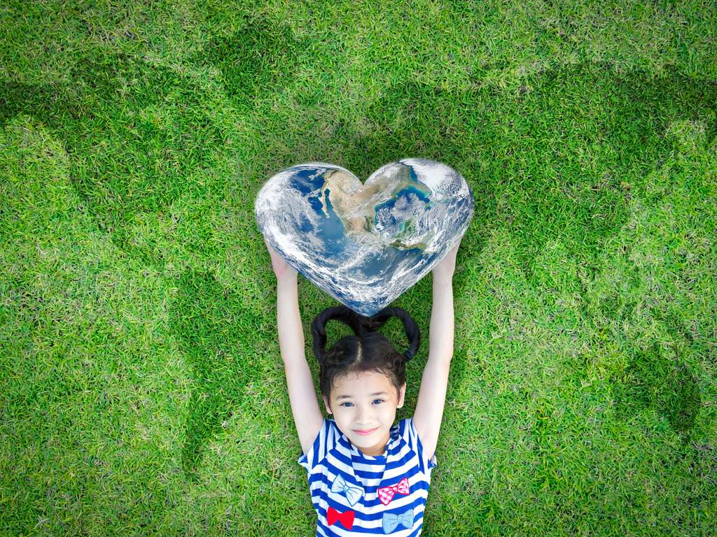 Take care of our earth! Darlings of Fortune Week 4 | photo: © iStockphoto.com/Chinnapong