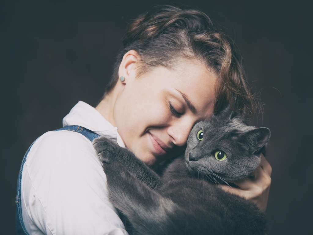 Liebevolle Zweisamkeit bei den Zwillingen | Foto: © iStockphoto.com/Olezzo