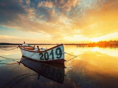 Das große Jahreshoroskop 2019 gratis für alle Sternzeichen | Fotohintergrund: © ValentinValkov  - stock.adobe.com