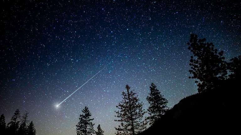 In December Pisces escape an asteroid impact. (Watch out!) | Foto: © iStockphoto.com/4kodiak