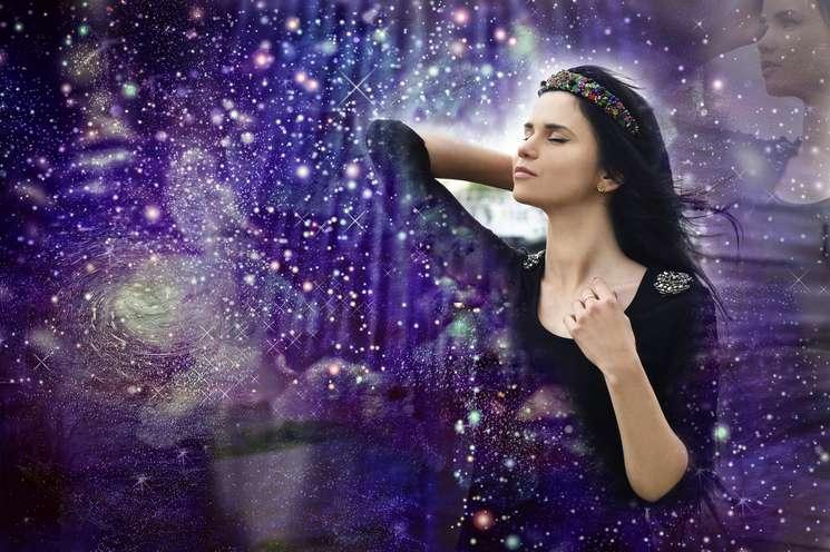 Monthly horoscope November 2018 | photo: © julijacernjaka - stock.adobe.com