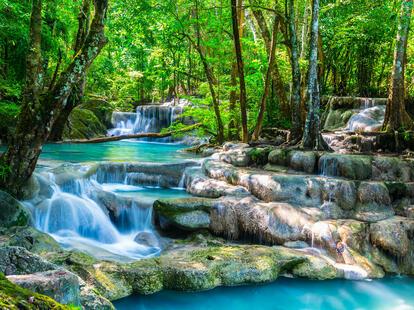 Take a walk and get new energy... | Photo: © calcassa - stock.adobe.com