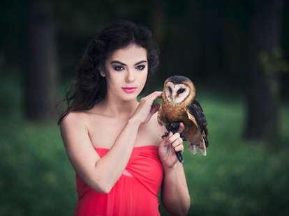 Heute kann beim Flirt eine eine herzliche Intimität entstehen | Foto: © iStockphoto.com/Klubovy