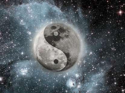 Sonne Sextil Mond | (c) Denis Zaporozhtsev - fotolia.com